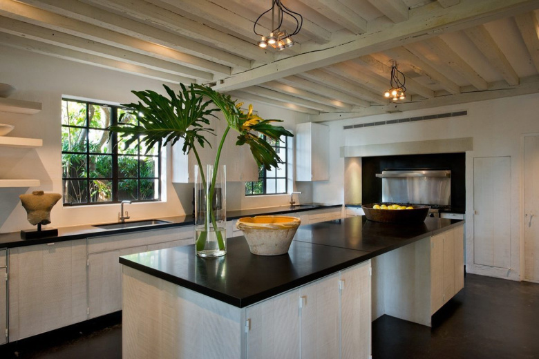 an-inside-look-at-calvin-kleins-miami-beach-house-7
