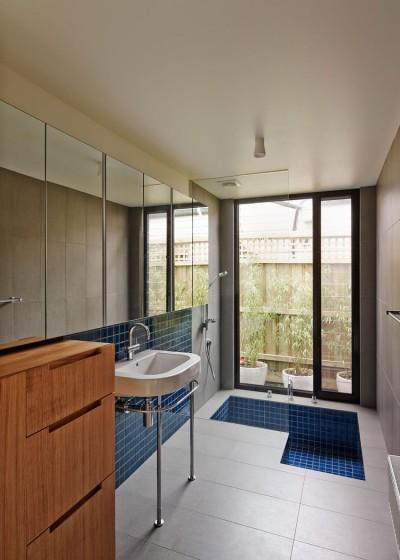 m_house_bathroom