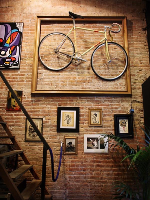 Το ποδήλατο που δεν χρησιμοποιούσες έχει θέση στον τοίχο σου πια