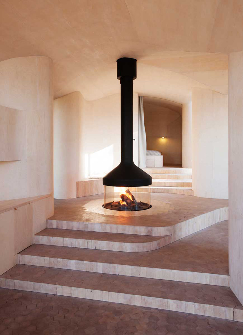 freestanding-fireplace_250915_03