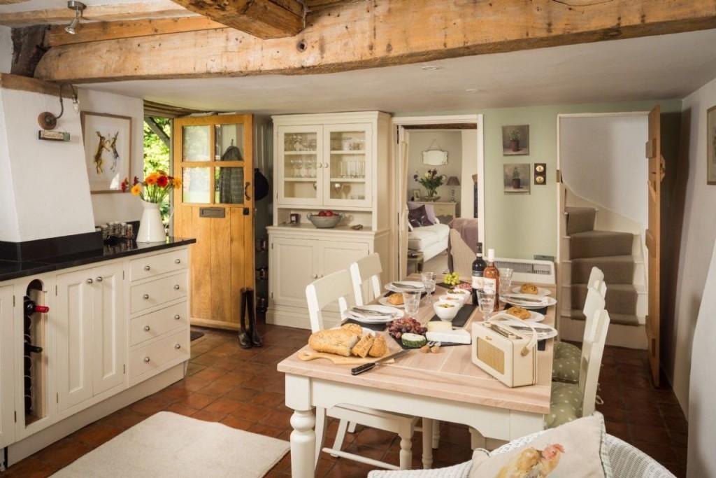 Η κουζίνα όπου θυμίζει την Σταχτοπούτα
