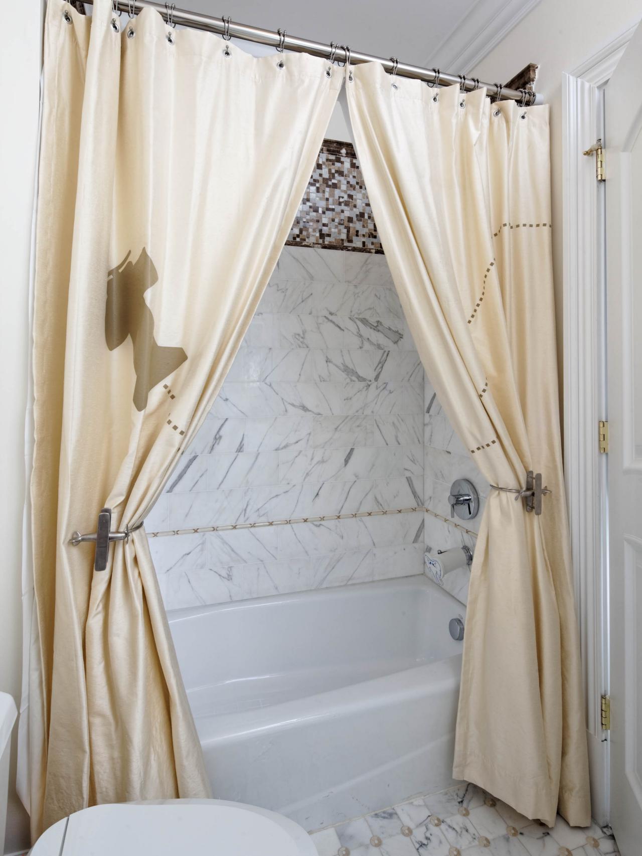 RS_dahlia-mahmood-blue-eclectic-kid-room-bathroom-tub_3x4.jpg.rend.hgtvcom.1280.1707