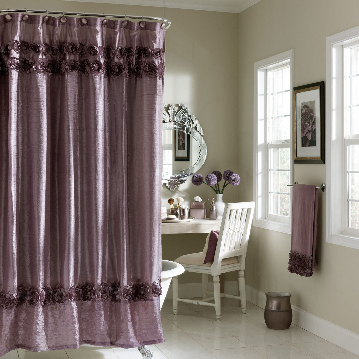 graduated-roses-shower-curtain