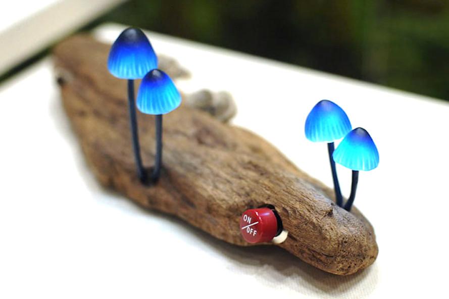 Mushroom-LED-lamp-Yukio-Takano-Great-Mushrooming-889x592