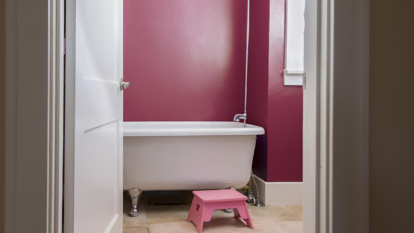 pink-bathrooms_b45a8467-2fc5-4dbf-807d-519ac7d1c64c