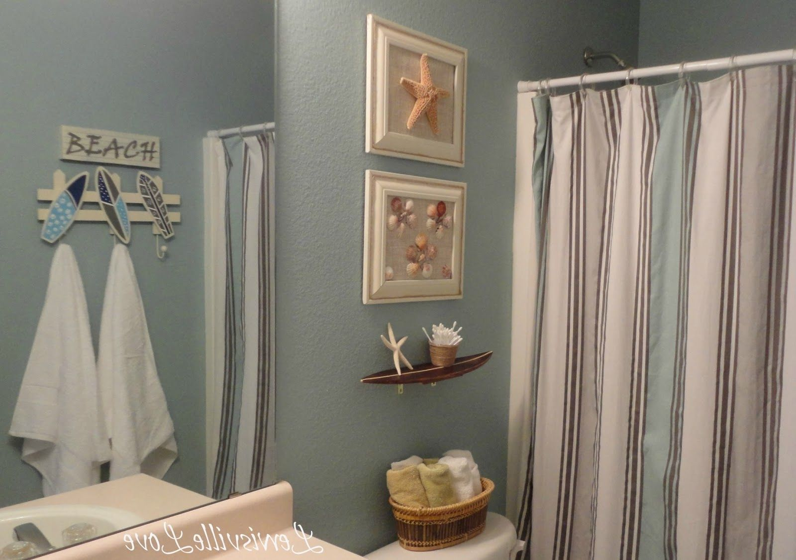 fancy-bathroom-with-beach-themed