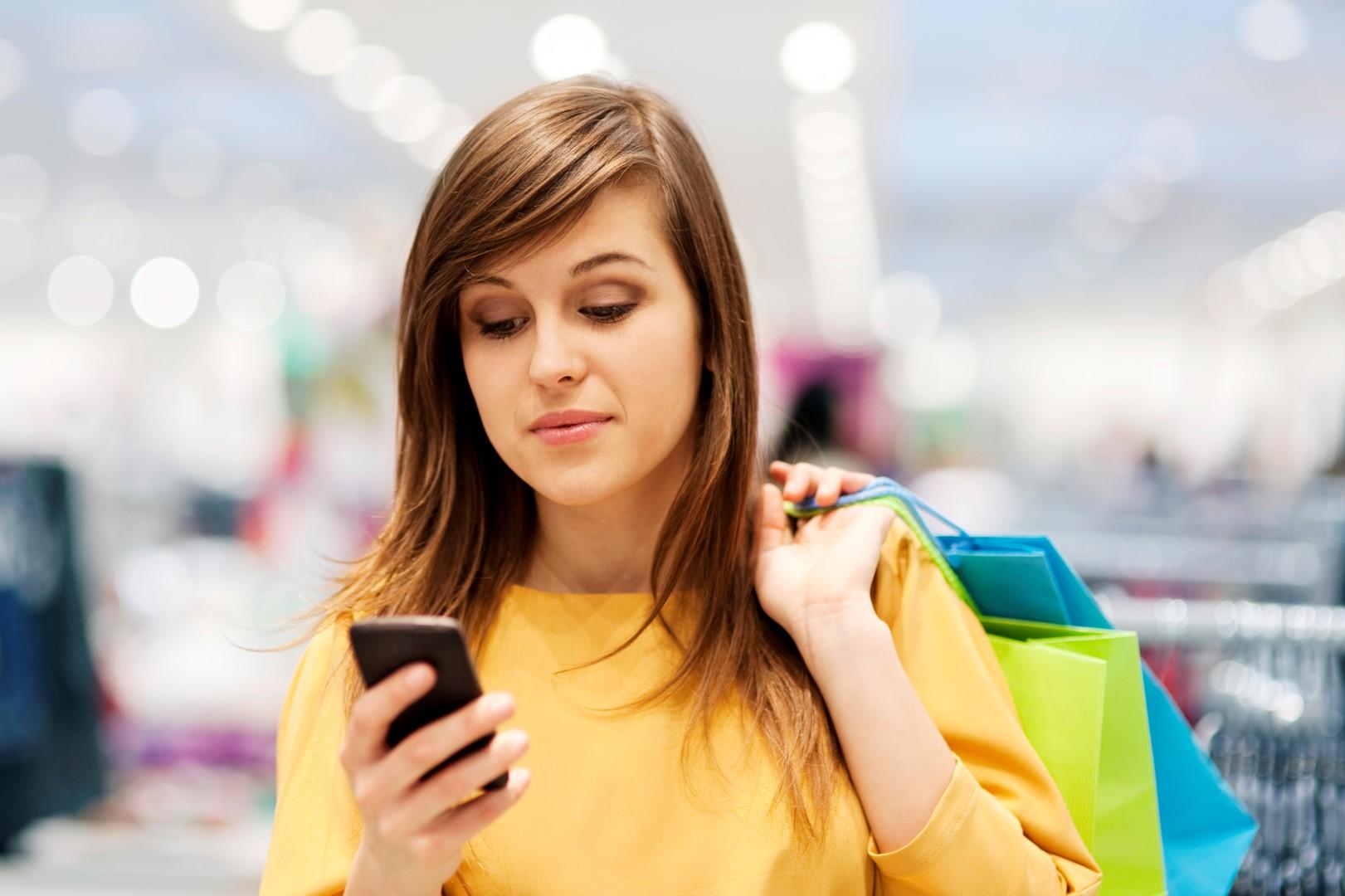 γυναικα smartphone (2) (Large)