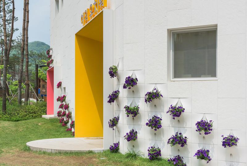 built-in-flowerpots_260216_03-800x539