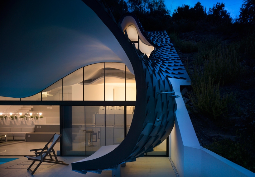 gilbartolome-architects-house-on-the-cliff-granada-designboom-10