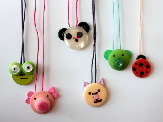 button-crafts-animal-necklace