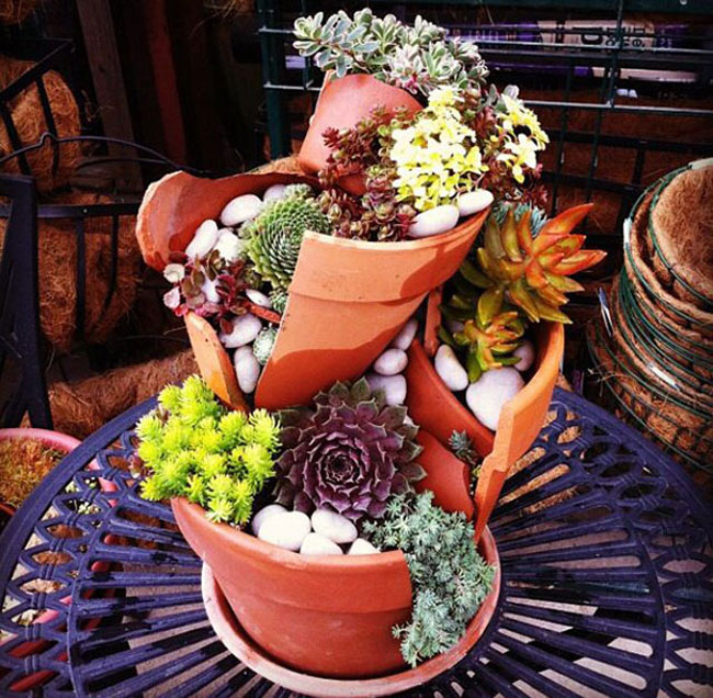 cool-broken-pot-flowers-garden