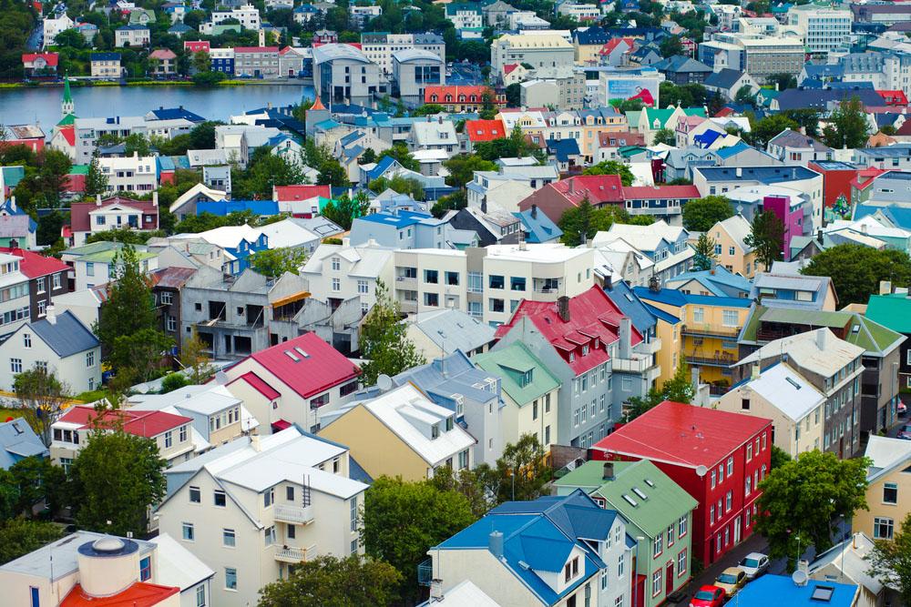 reykjavik-colorful-street