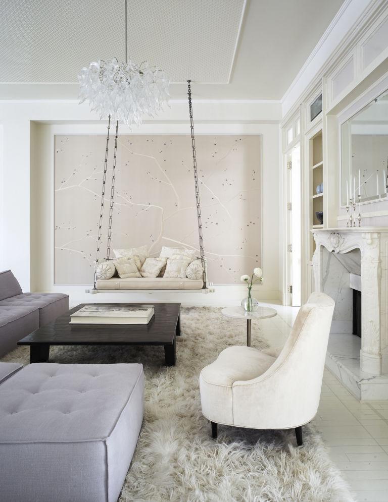 1466782498-syn-hbu-1466181509-gwyneth-paltrow-living-room