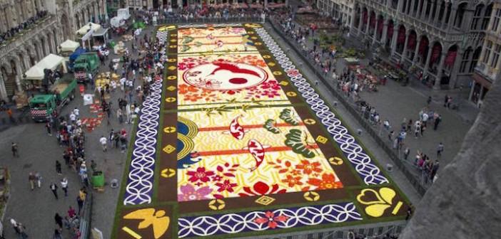 Αυτό είναι ένα «χαλί» φτιαγμένο από 600.000 λουλούδια!