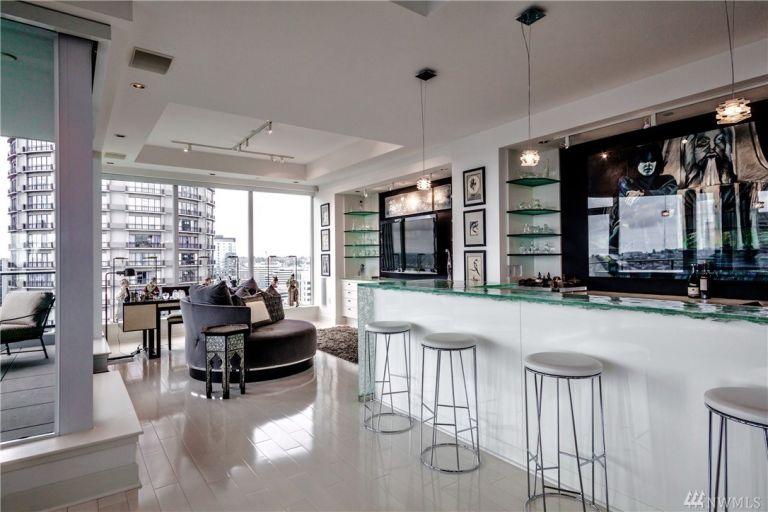 50-shades-apartment-bar