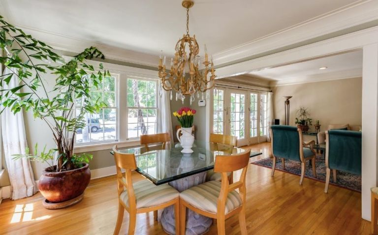 gallery-1472065081-lucille-ball-dining-room
