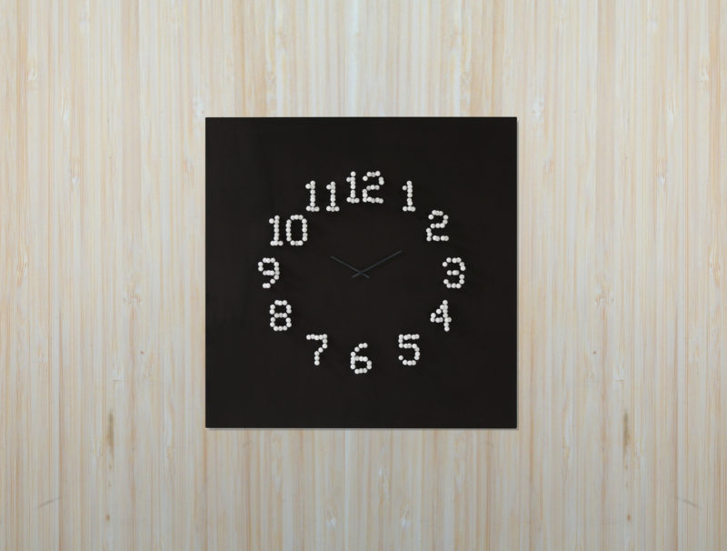 wall-clock_220916_02-800x606