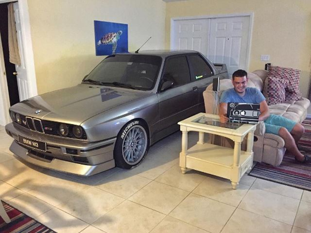 bmw-m3-e30-home-living-room-1