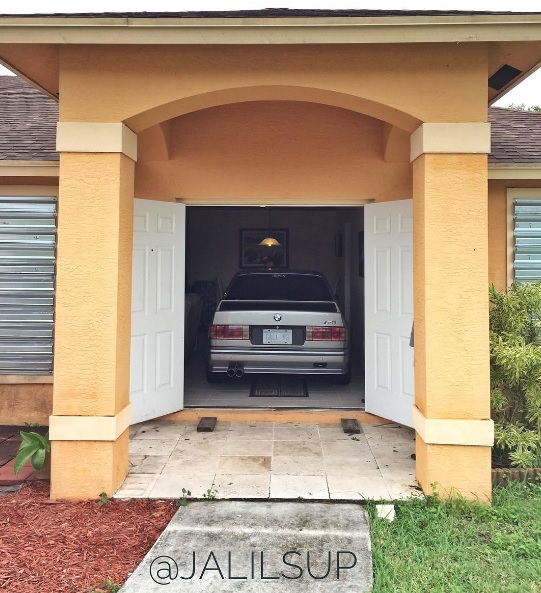 bmw-m3-e30-home-living-room-4