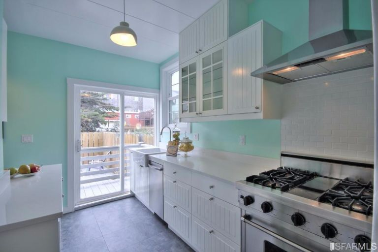 small-san-francisco-home-kitchen-2