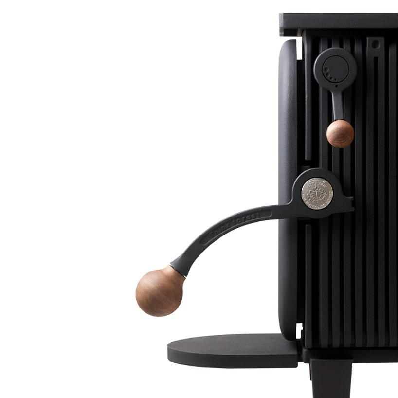 okamoto-agni-hutte-wood-stove-designboom-004