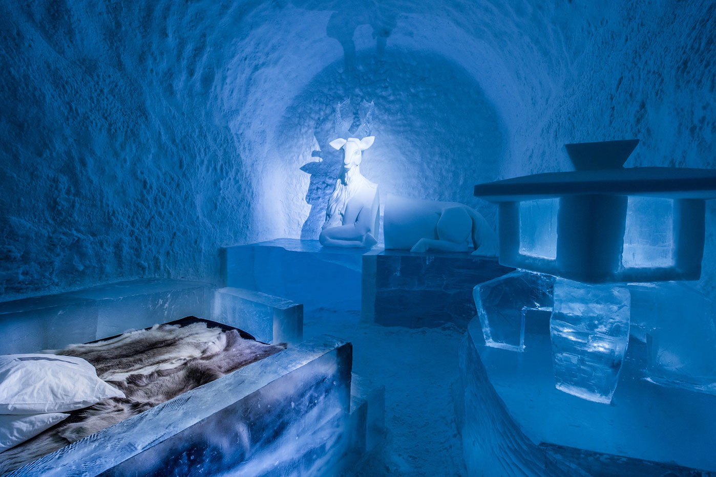 worlds-first-permanent-ice-hotel-4