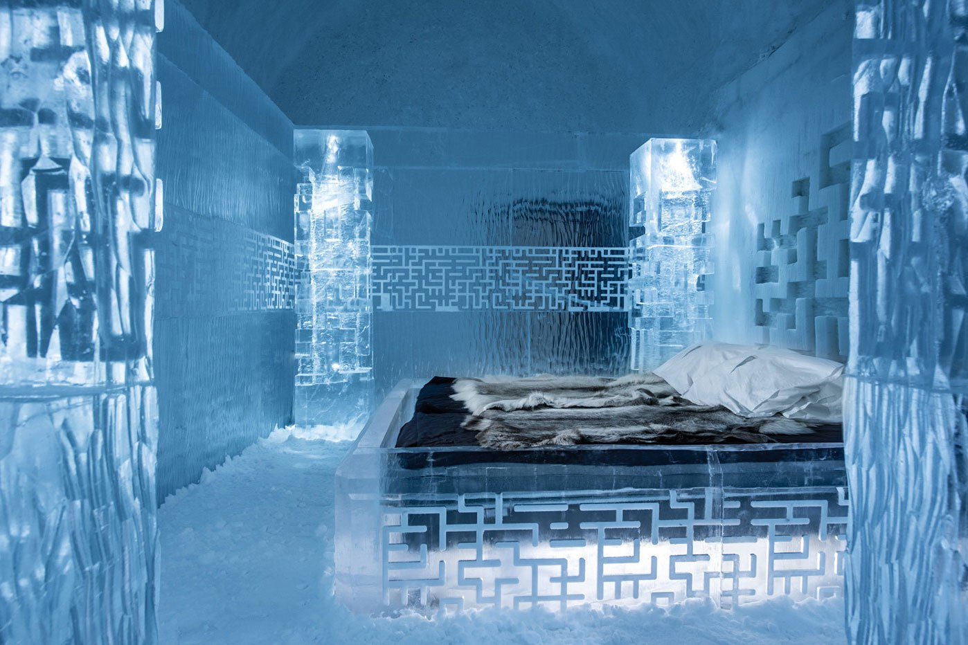 worlds-first-permanent-ice-hotel-6