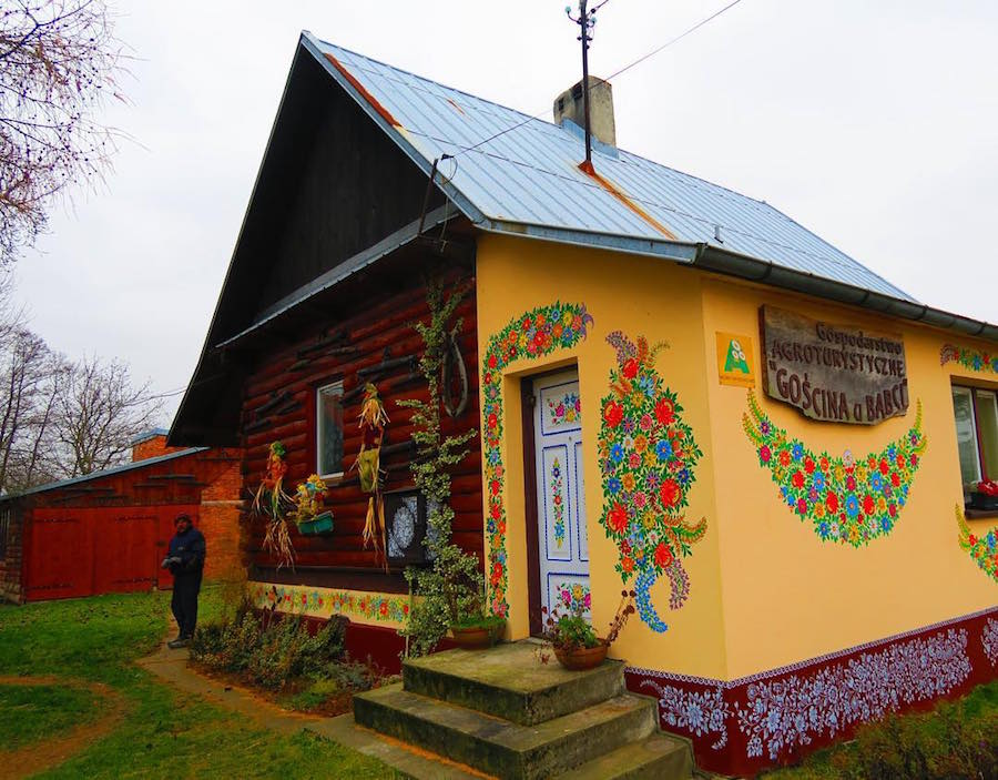 Zalipie-Poland-Painted-Houses-2
