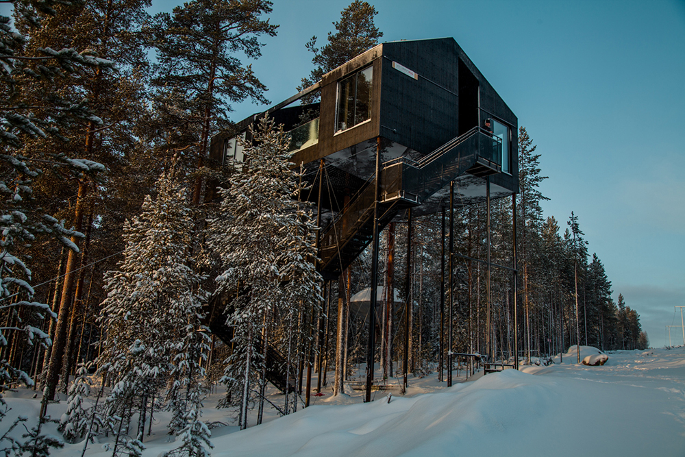 1117th-room-treehouse-cabin-snohetta-treehotel-sweden-2