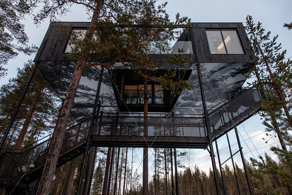 1117th-room-treehouse-cabin-snohetta-treehotel-sweden-3