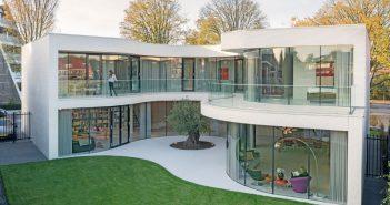 modern-white-house-architecture-130317-1007-01