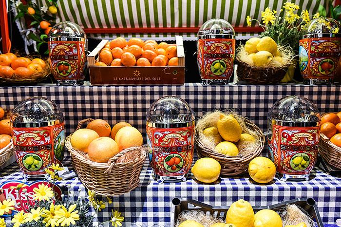 dolce-gabbana-smeg-kitchen-appliance-line-4-58f5c53727f9b__700
