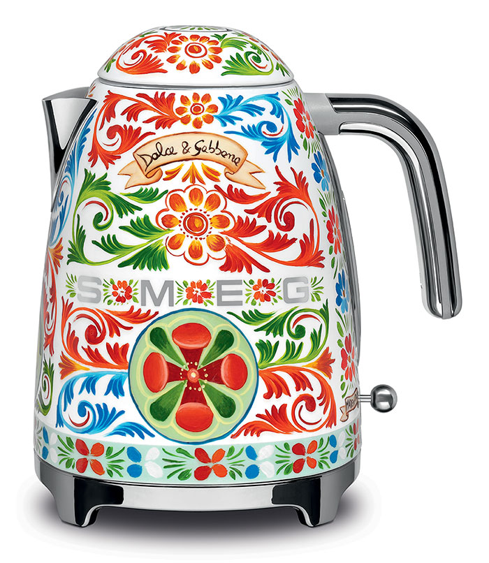 dolce-gabbana-smeg-kitchen-appliance-line-9-58f5c4e9dbff2__700