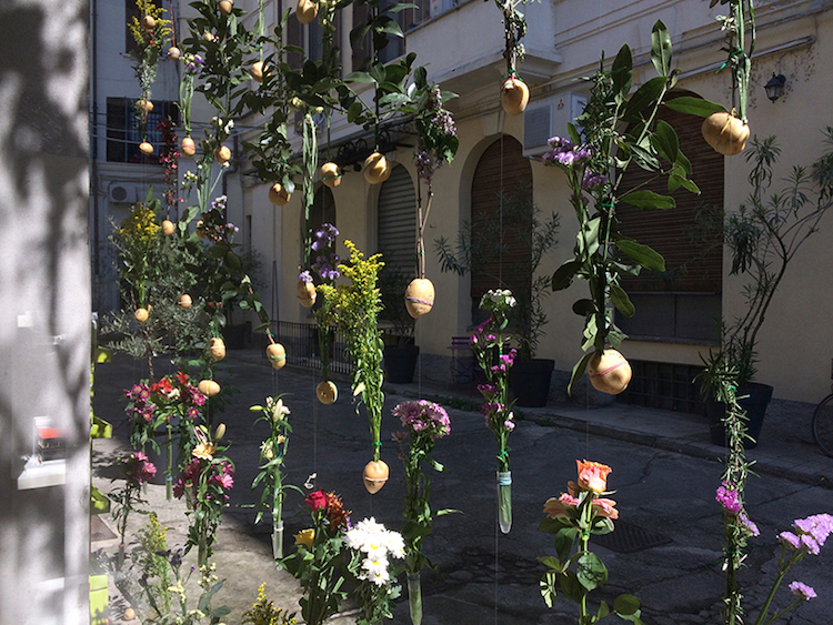 flowerprint-hanging-flower-installation-piuarch-11