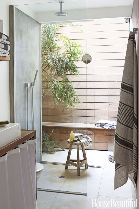gallery-1490997878-outdoor-shower