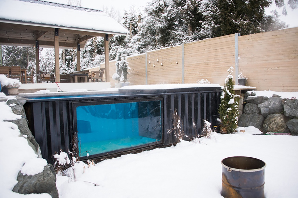 http---hypebeast.com-image-2017-04-modpools-shipping-container-snow