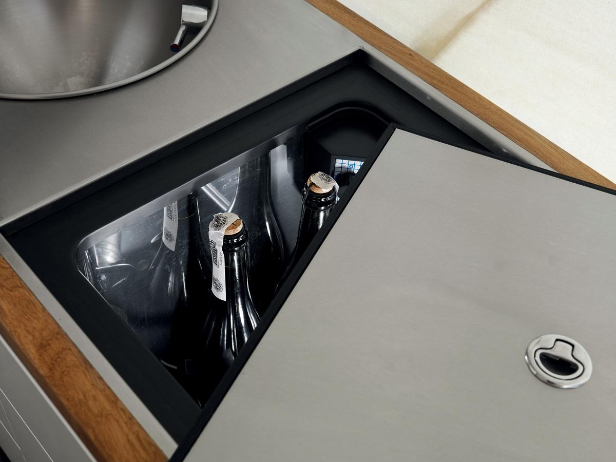 mobile_home_fridge