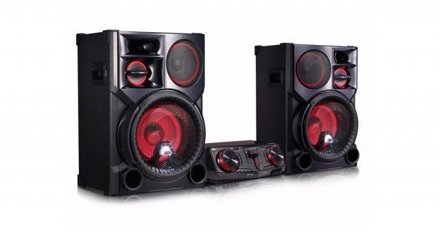 Το LG LOUDR CJ98 είναι ό,τι χρειάζεσαι για μοναδικά πάρτι με τους φίλους σου!
