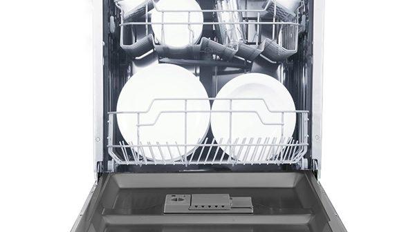 Ο νεροχύτης σας γέμισε… επικίνδυνα με πιάτα; To πλυντήριο πιάτων της Delonghi είναι εδώ!
