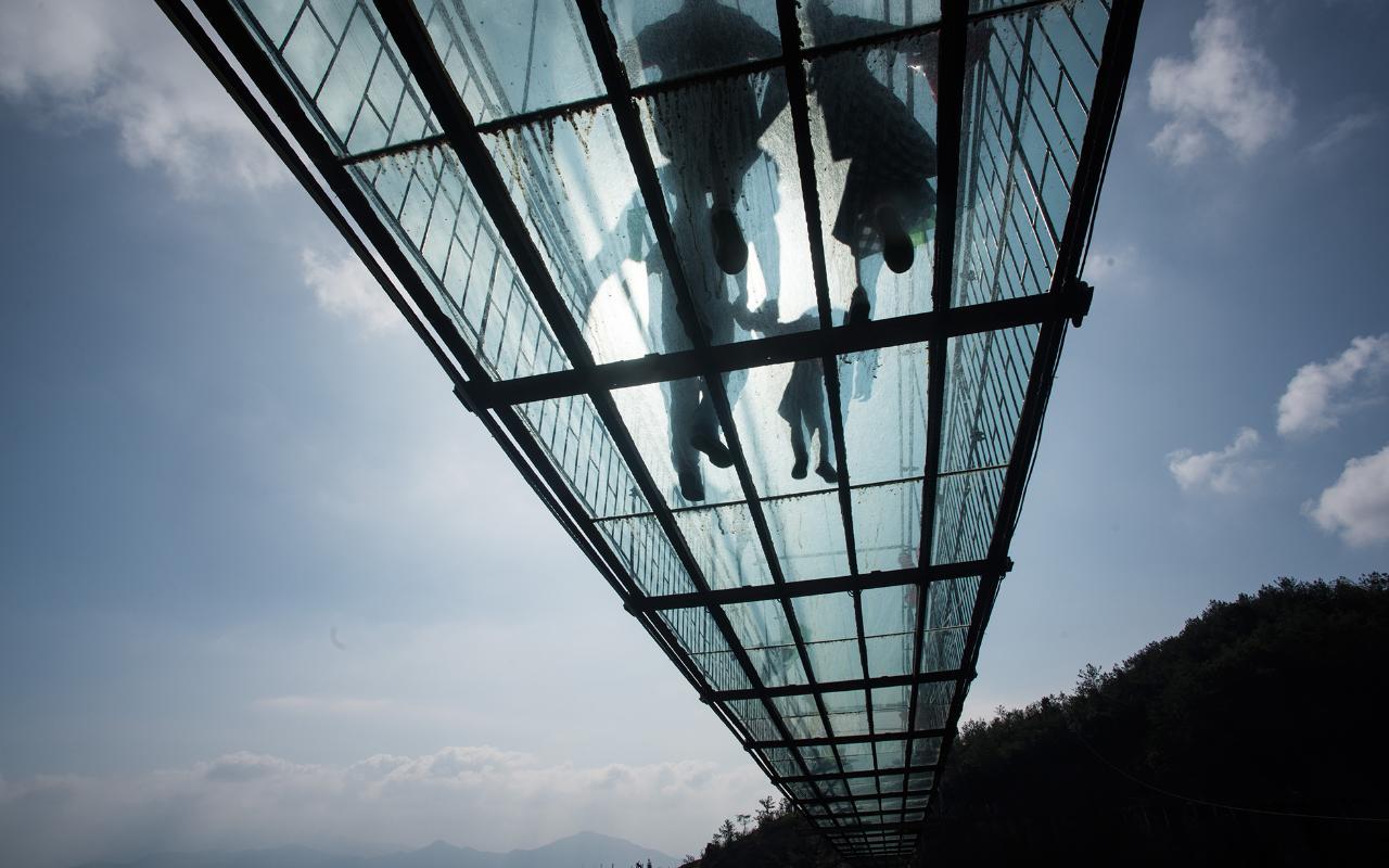 γυάλινες γέφυρες