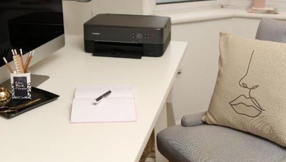 Αναβαθμίστε το χώρο εργασίας στο σπίτι σας με την Canon και το Secret Styling Club